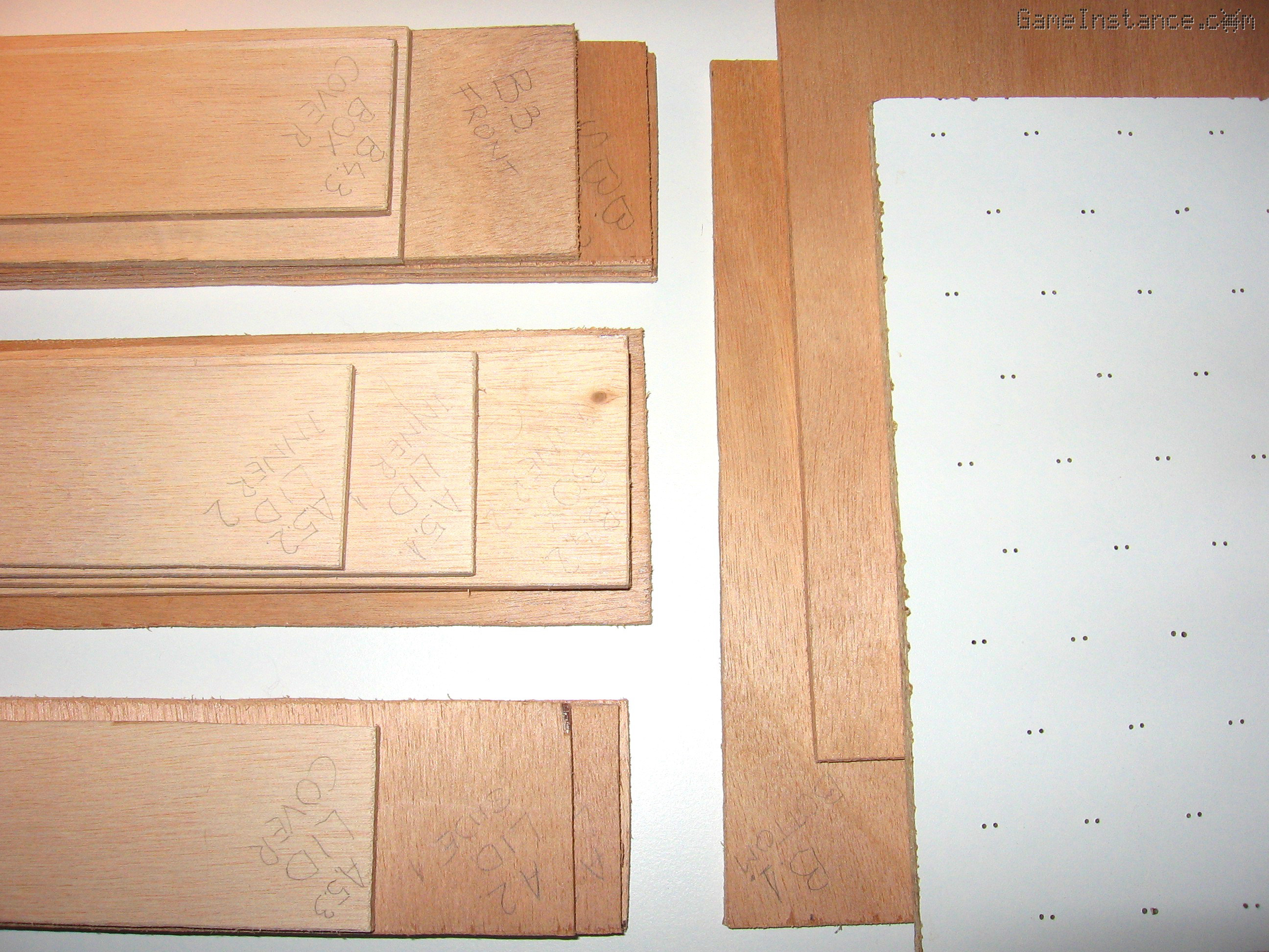 UV-Box - the not-so-straight hand-cut plywood panels