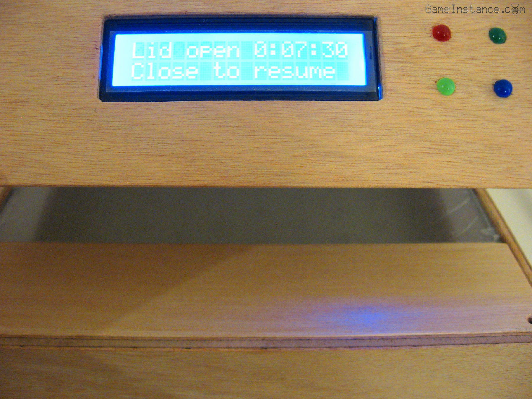 "UV-Box 400 - Saying ""Aaaa"""